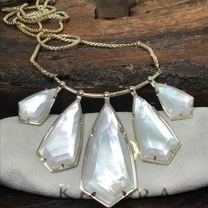 NWT Kendra Scott Rhyan Necklace in Gold MOP!